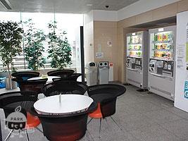 休憩所・自動販売機