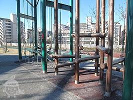 円形タワー遊具