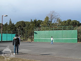 テニス壁打ちコート