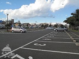 B地区駐車場