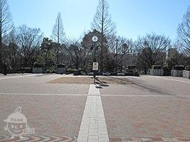 中央休憩広場