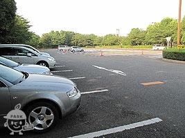 南側駐車場