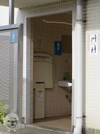 おむつ替え台のあるトイレ
