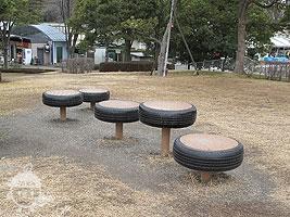 タイヤの遊具