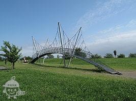 つり橋の遊具