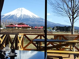 ロッジから見える富士山