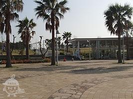 公園中央入口