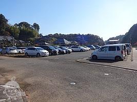 メイン駐車場