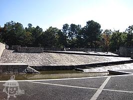 滝のステージ