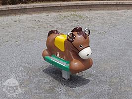 ロッキング遊具・馬
