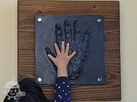 ゴリラの手形パネル