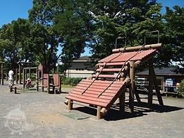 自由・児童広場