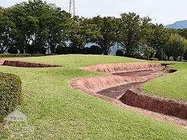 復元方形周溝墓