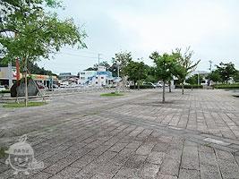 モニュメント広場