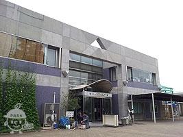 萩中公園プール入口