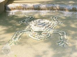 ジャブジャブ池