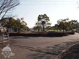「村国山」側の駐車場