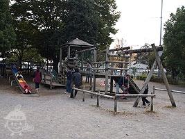 南側入口付近にある遊戯広場