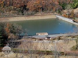 水辺テラスと防災調節池