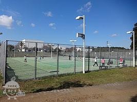テニスコート(予約制・有料)