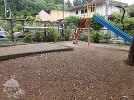 砂場と滑り台