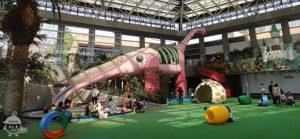 ピンクの恐竜モモちゃんのスベリ台