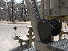 木製クレーン機