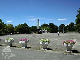 西中央広場