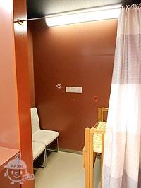 授乳室、ベビーベッド