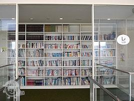 自由図書館