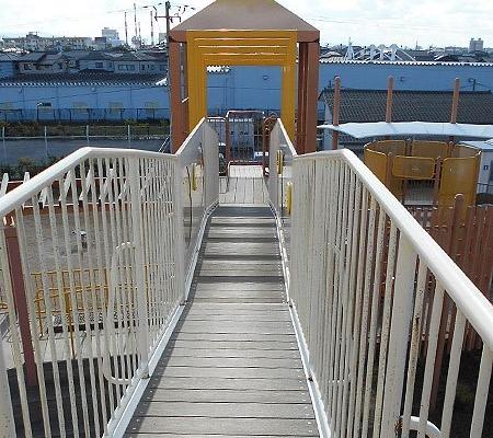 見張り台からの橋