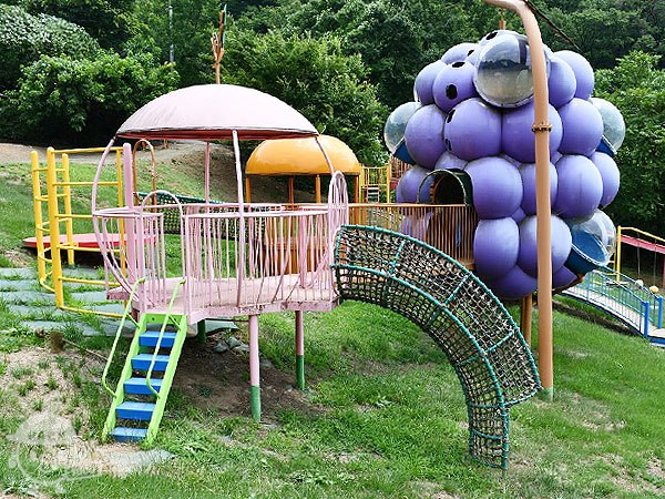 小さい子向けの遊具エリア