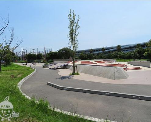 スケートボード場