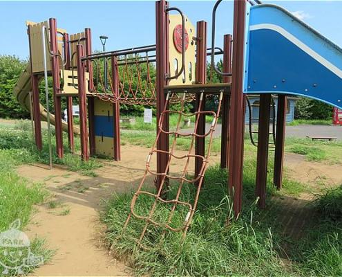児童遊具広場
