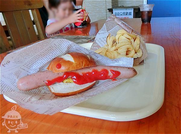 ホットドッグとフライドポテト