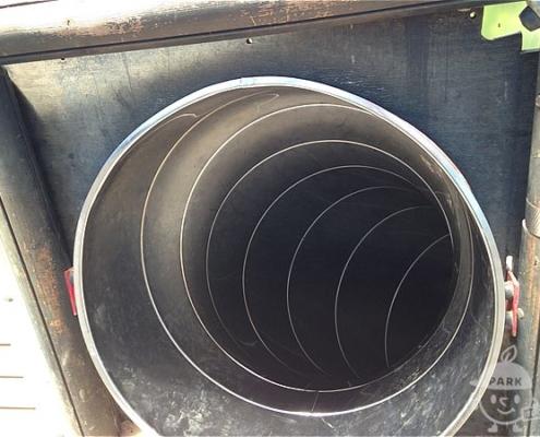 トンネル型のすべり台